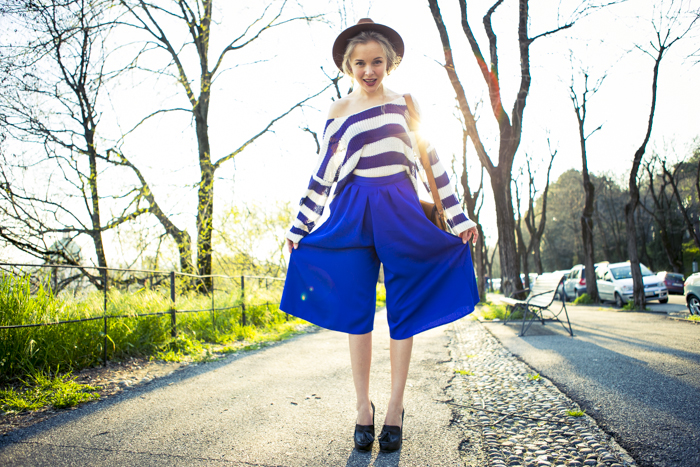 thecablook-fashion-blog-darya-kamalova-street-fashion-asos-cobalt-blue-electric-culottes-sheinside-sweater-hm-camel-hat-ziba-earings-topshop-black-heels-vintage-leather-bag-vj-style-ring-27